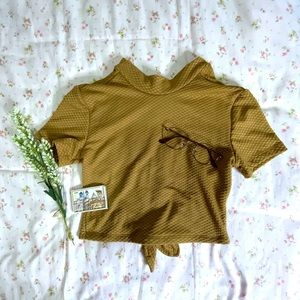 UO crop top 💛